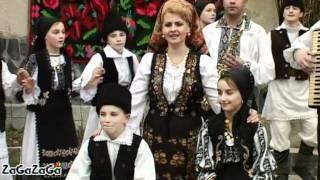 Mihaela Petrovici - Traiesc in locuri straine