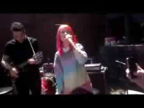 Hayley Williams Best Actual Performances (2013)