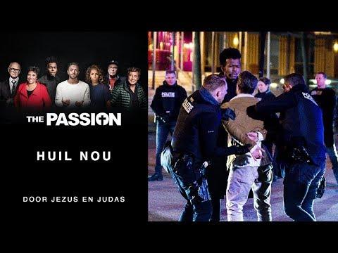 9. Huil Nou - Tommie Christiaan en Jeangu Macrooy (The Passion 2018 - Amsterdam, De Bijlmer)