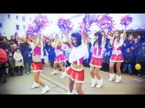 Pompom Girls À Saillagouse Au Marche De Noel video