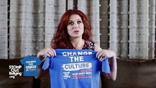 Debra Messing BLUE SHIRT DAY® WORLD DAY OF BULLYING PREVENTION™ 2017