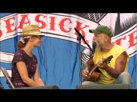Seasick Steve - Walkin' Man (live Glastonbury)