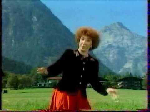 CHARLOTTE JULIAN - UN P'TIT CHAPEAU TYROLIEN