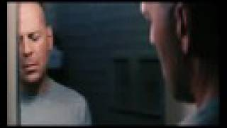 Unbreakable Trailer (Deutsch)