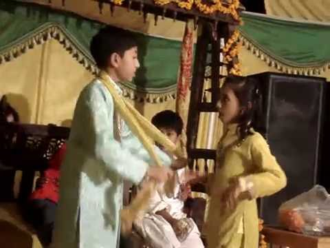 Dance In Baley Baley Tor Punjaban Di.mpg video