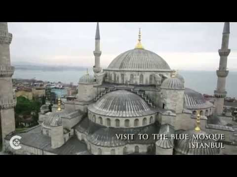 Pope visits, prays at holy sites in Istanbul