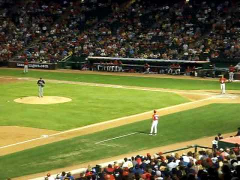 Rangers vs Twins 7/18/09 9th inning 2 out - Jarod Saltalamacchia bats