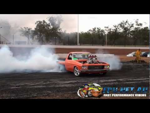 T4TUFF MATT POWER 10K WINNER AT NSW PRO BURNOUTS DUBBO 2013