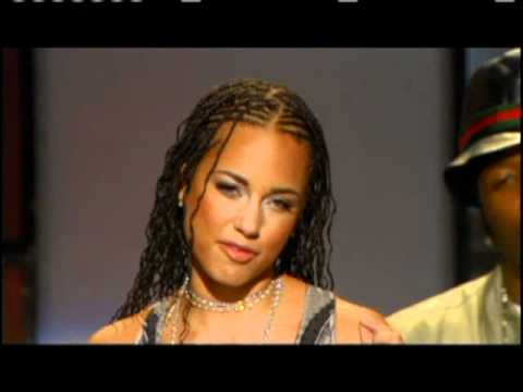 Alicia Keys inducts Prince Rock and Roll Hall of Fame inductions 2004