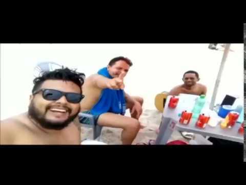 Amigos do Papo, na praia e curtindo a música do Kleber Lucas.