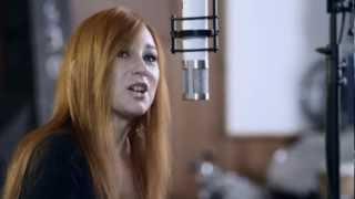 Watch Tori Amos Gold Dust video