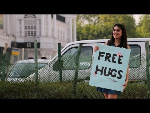A Cute Girl & Free Hugs | Mind-blowing Reactions In India video