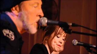 Watch Richard Thompson Down Where The Drunkards Roll video