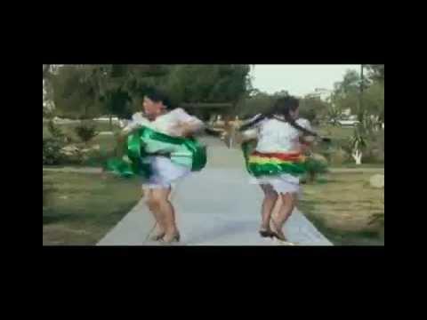 Cholitas Cochabambinas bailando con los terroristas