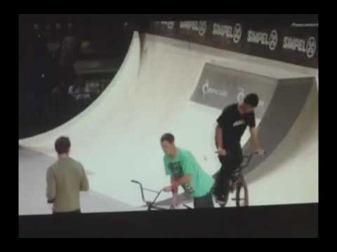 Simpel Session 2010 Tallin, Estonia 6th Feb. Qualifications Highlights Pro Featuring by : Markus Braumann , Harry Main , Mark Webb , Garrett Reynolds , Maddo...