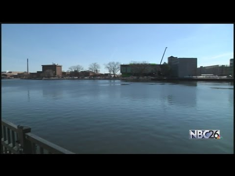 Wisconsin ports concerned over funding cuts to Harbor...