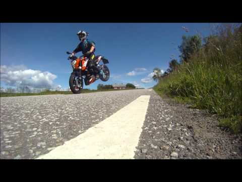 KTM Duke 125 wheelies stoppies and powerparts