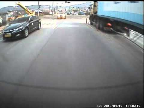 Crazy driver (view from rear camera)