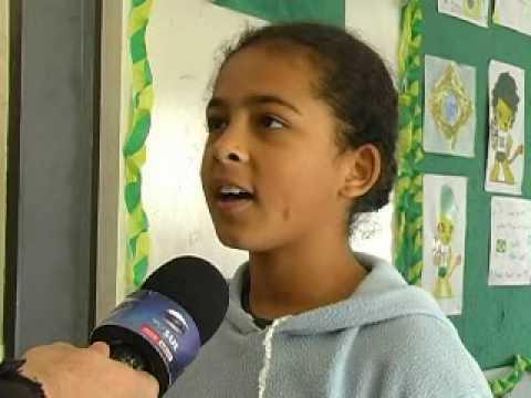 Jornal TV Sul • Sala de aula da Escola Barão está decorada para a Copa do Mundo