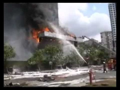 Massive Fire Rages In Istanbul Luxury High Rise 7/17/12