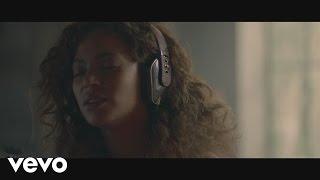 Клип Beyonce - Sandcastles
