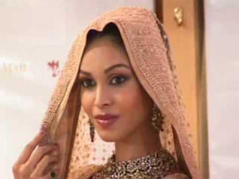 Gorgeous Indian Bridal wear by Ritu Kumar