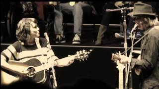Norah Jones with Neil Young 'Down By The River' - Mountain View, CA - 25 October 2014