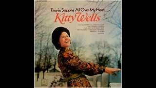 Watch Kitty Wells Midnight Till Dawn video