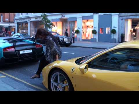 The Effect of Ferraris on Women (458 Italia - posing and number exchange!)
