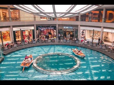 Marina Bay Sands Hotel, Infinity Pool and Mall Tour