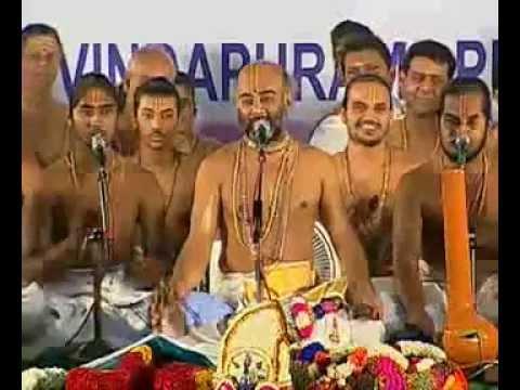Iraivan Idam Kai Yendhungal - By Vittaldas Maharaj video