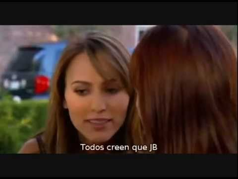 lesbian kisses in movie