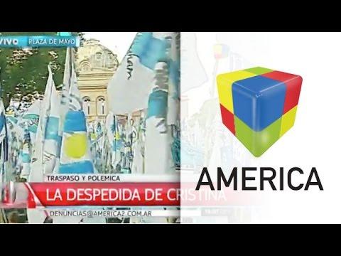 Una multitud copa la Plaza de Mayo para el acto de despedida de Cristina