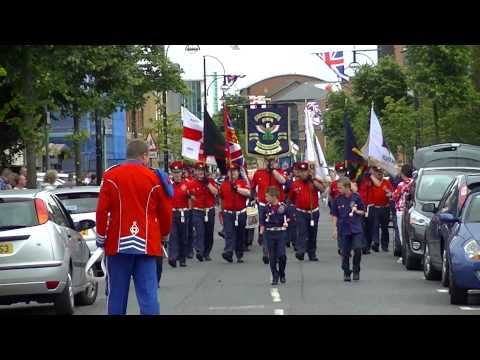 Pride Of Ardoyne FB @ South Belfast Young Conquerors FB Parade 2014