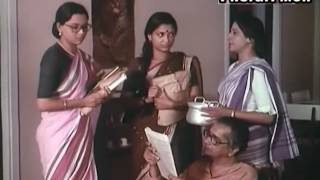 Adalot O Ekti Meye bengali national award winning, tapan sinha 198 - Hindi comedy movies