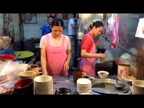Taipei street restaurant fills soup order