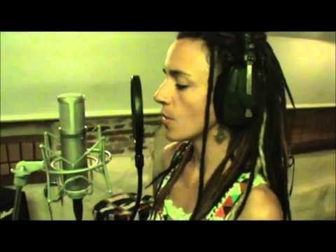Vali Massinguita (Cândido & Cécilia feat Time-Mozam)