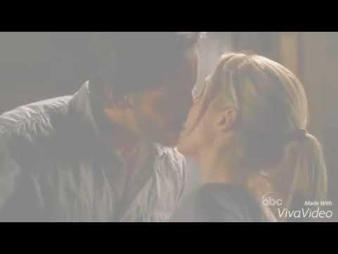 V - Elizabeth Mitchell - 2x08 - Erica and Hobbes - Love Scene
