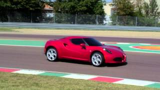 Alfa Romeo 4C, Just Drive: animale da pista