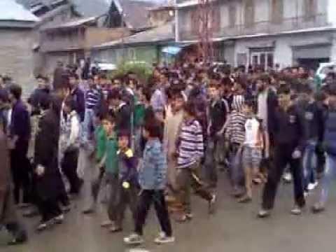 Kashmiri Muslims Protest against exhumation of The companion of Prophet(saww) Hujr ibn uday in Syria