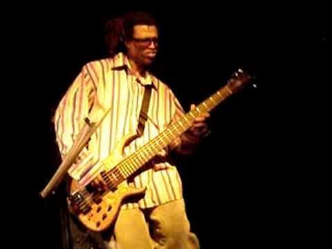 Melvin Gibbs (Arto Lindsay live in Belgrade 24.11.2005)
