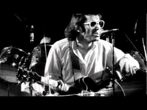 Ivan Graziani - Taglia La Testa Al Gallo