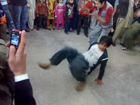 peshawar dance  party2 2010.mp4