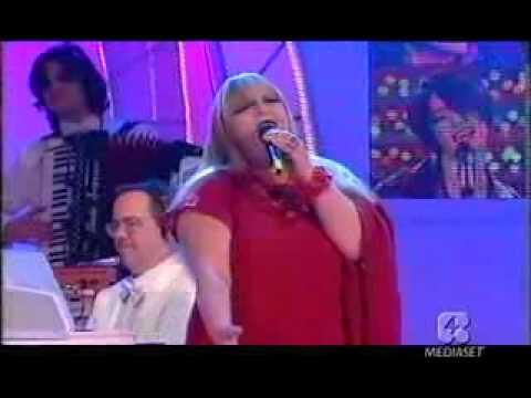Antonella Ruggiero e Gabriella Ferri   Vacanze Romane Live Testarda Io 2002