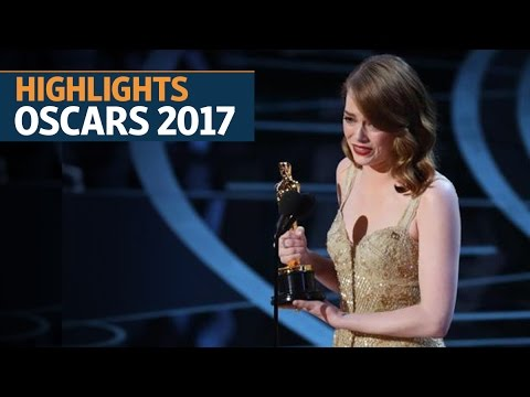 La La Land and Moonlight shine at the Oscars