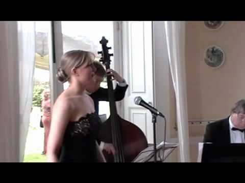 Wedding Singer Cheshire - Helen Blake - Cant Help Lovin Dat Man