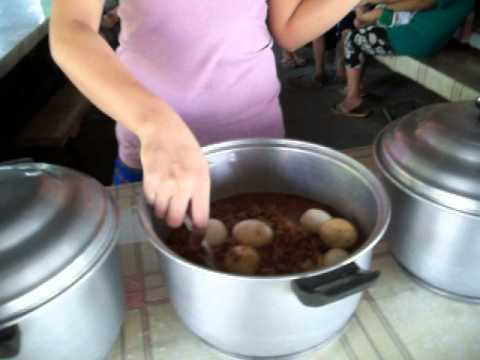 Life in the Philippines - Small Roadside Restaurant w/ Charming Women