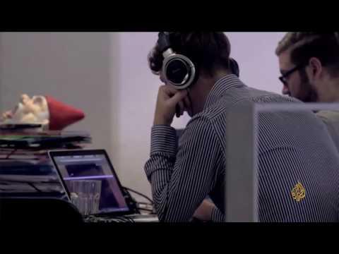 عيادات تنتشر لعلاج مدمني مواقع التواصل