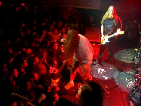 Obituary live at Foufs Montreal Sept 27, 2009
