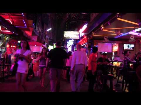 Talk a walk down Soi Cowboy Bangkok – Thailand. [FULL HD]